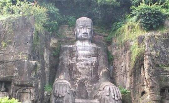 1976年乐山大佛事件,毛主席离世佛像闭眼流泪显灵