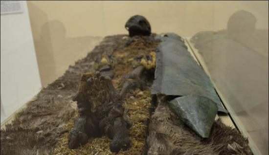 俄罗斯考古学家在西伯利亚靠近北极圈附近发现5具保存良好的木乃伊