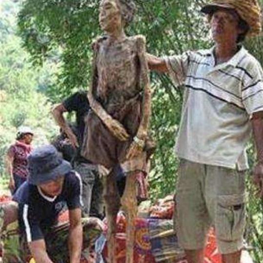 印尼赶尸是什么,真的可以让让尸体自己走入棺材吗?