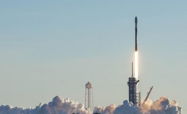 """SpaceX卫星网络计划""""星链""""申请降低卫星航道 亚马逊斥影响其卫星计划""""古柏"""""""