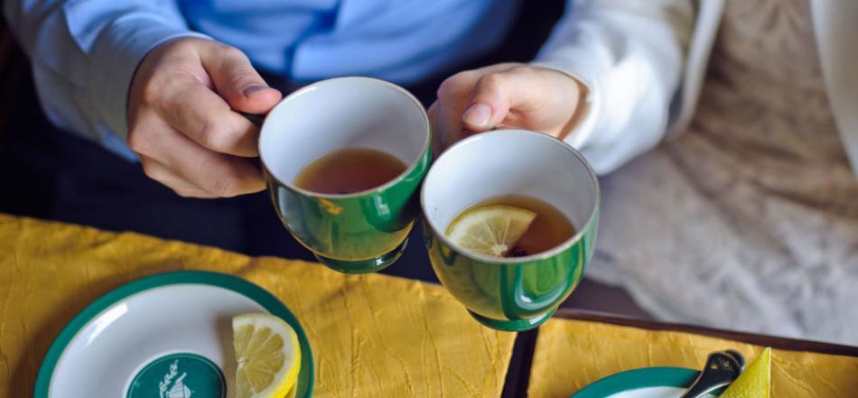 土耳其《共和报》:经常喝温度超过65度的热茶将增加食道癌发病的风险