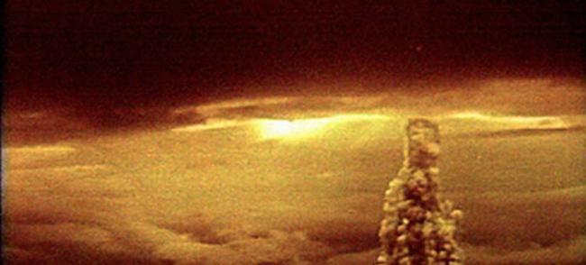 俄罗斯首度公开前苏联在北极圈新地岛巴伦支海上空进行的沙皇炸弹核武试爆机密影片