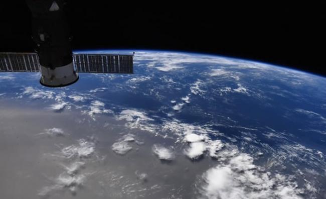 """半世纪以来最为巨型的撒哈拉沙尘暴""""哥斯拉尘云""""卷袭美国"""