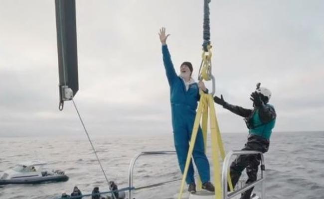 美国深海探险家Victor Vescovo乘坐潜艇抵达北冰洋的莫洛伊海沟最深处