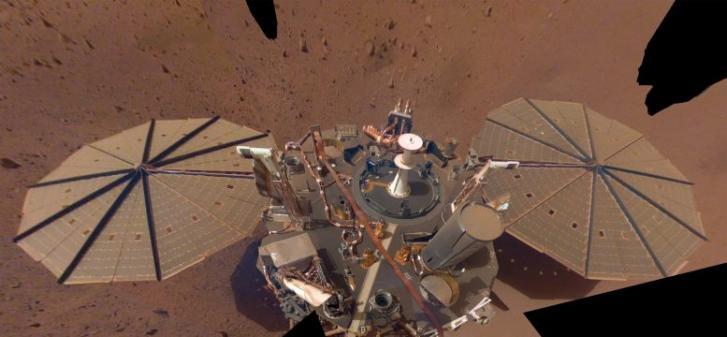 通过分析火星地震来确定火星地壳的结构